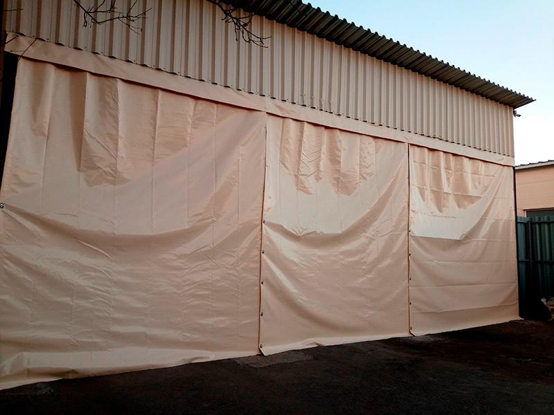 Проемы под навесом закрытый ПВХ стенами